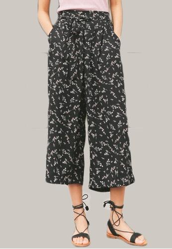 Shopsfashion black Floral Straight Legged Pants in Black SH656AA0F0QFSG_1