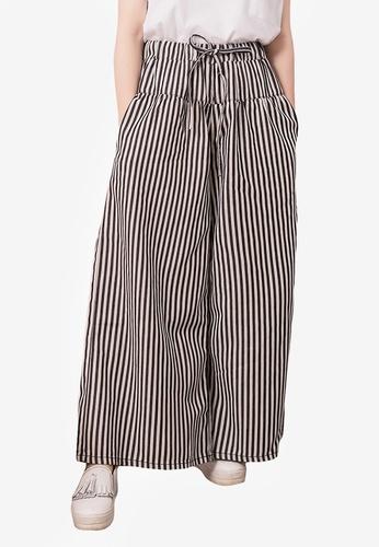 Kodz black Pleated Wide Legged Trousers 8F498AADCF47E4GS_1