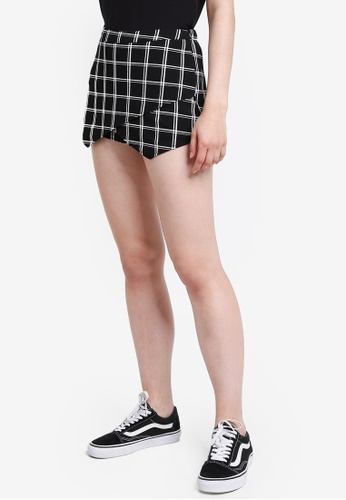 Something Borrowed black Asymmetric Checkered Skort DD304AAB20D595GS_1