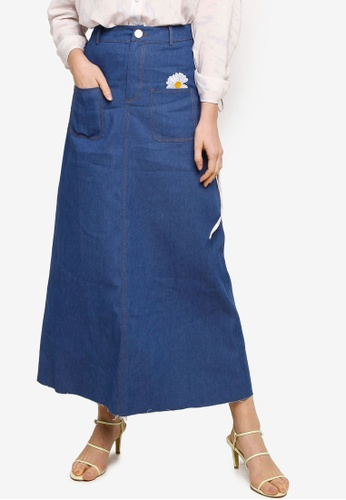 Lubna blue Denim Skirt With Embroidered Patch 0E3F1AA6D0A83CGS_1