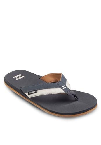 雙色人字夾腳拖esprit taiwan, 鞋, 運動