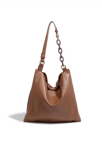 Twenty Eight Shoes brown Minimalist Faux Leather Large Capacity Shoulder Bag JW FB-6761 53907AC118F1EFGS_1