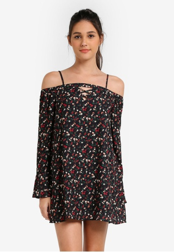 Something Borrowed black Printed Cold Shoulder Shift Dress 364FAAABD9FA25GS_1