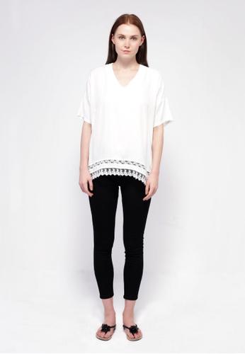 NE Double S white Ne Double S- V Neckline Short Sleeve Hem Trim With Lace Blouse F8DC0AA85C06EEGS_1