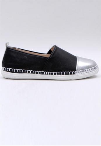 Crystal Korea Fashion 黑色 韓國製舒適平底輕巧休閒鞋 2F0A6SH2264398GS_1