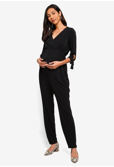 a2a1c4d905e75 33% OFF Dorothy Perkins Maternity Black Tie Sleeve Jumpsuit HK$ 380.00 NOW  HK$ 254.90 Sizes 6 8 10 12 14