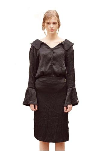 17SS黑色褶皺女衫, esprit 台灣門市服飾, 上衣