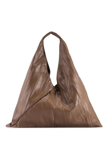 Red's Revenge beige Triangle Slouchy Hobo Bag FE8B0AC855494DGS_1