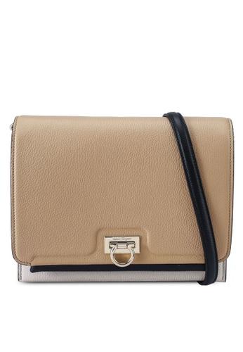 Ferragamo beige Trifolio Flap Shoulder Bag (zt) 05D74AC310DCAEGS_1