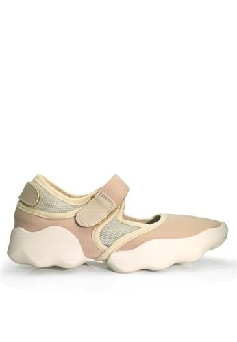 Twenty Eight Shoes 米褐色 透氣休閒鞋 VC7300 17C01SH5EDCA05GS_1