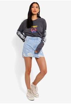 864bad1fb03f TOPSHOP Defiant T-Shirt RM 109.00. Sizes XS S