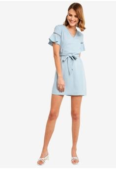 9252d4362c 17% OFF ZALORA V Neck Flare Sleeves Dress HK$ 249.00 NOW HK$ 206.90 Sizes  XS S M L XL
