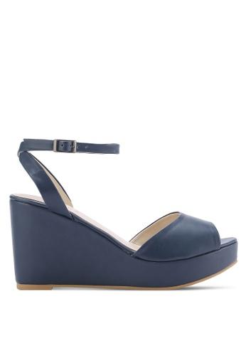 ZALORA 海軍藍色 露趾繞踝楔型鞋 46C69SHEE43DA0GS_1