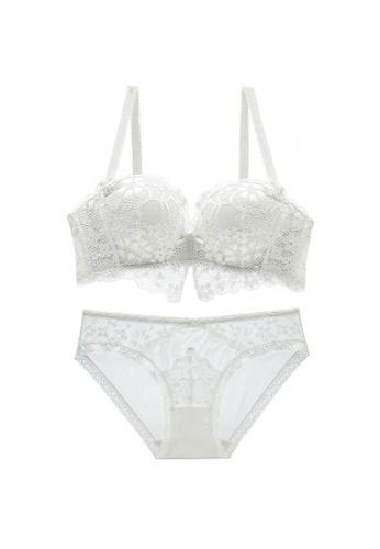 W.Excellence 白色 Premium White Lace Lingerie Set (Bra and Underwear) E9437US9136784GS_1