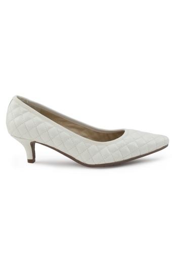 Shu Talk beige Nappa Pointed Toe Low Heels SH617SH2VRV1HK_1