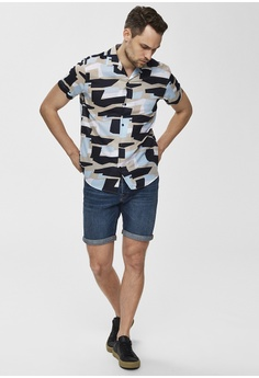 c689f027da Selected Homme Regart Geometric Print Short Sleeve Shirt HK$ 519.00. Sizes  S M L XL