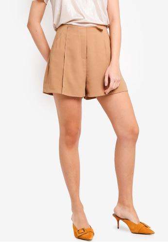 ZALORA 米褐色 高腰褶飾短褲 183F9AA356D9F7GS_1