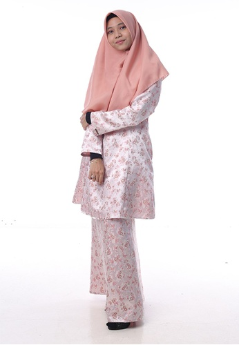 Baju Kurung Salwa from Denai Boutique in Pink