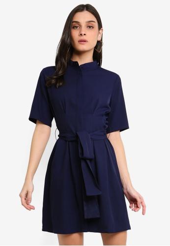 ZALORA 海軍藍色 褶飾綁帶短洋裝 E2AD6AA185892FGS_1