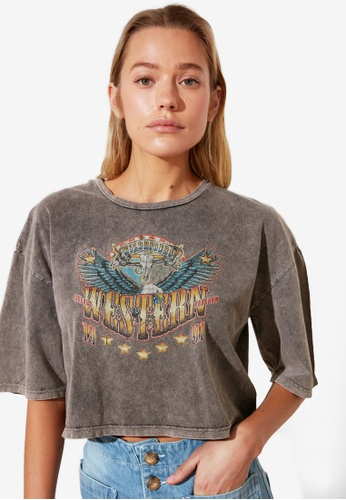 Trendyol grey Vintage Graphic Crop T-Shirt 04B5BAA9F49FA6GS_1