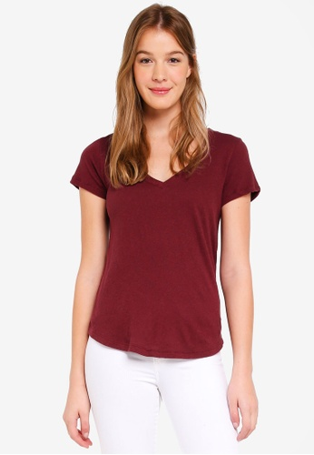 Abercrombie & Fitch red Icon V-Neck Tee 76FBCAAC7E72EAGS_1