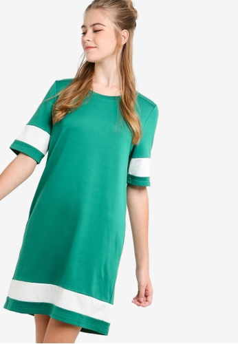 Something Borrowed white and green Colorblock T-Shirt Dress EF119AAED42A57GS_1