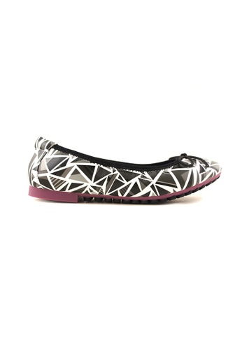 Flatss & Heelss by Rad Russel black Two Tone Coloured Triangle Prints Flats FL655SH93SZASG_1