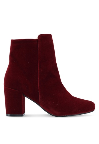 ZALORA 紅色 Chunky Heeled Ankle Boots A985BSHBE8BD99GS_1