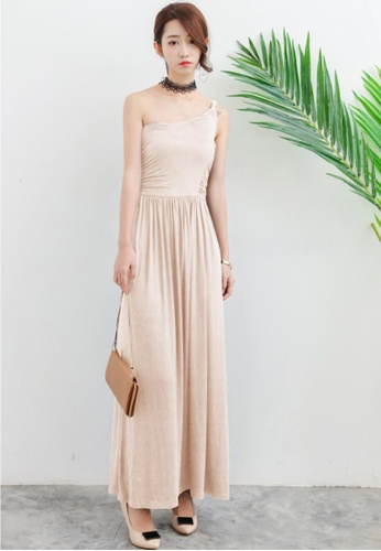 Shopsfashion beige One Shoulder Maxi Dress in Beige SH656AA88XBFSG_1