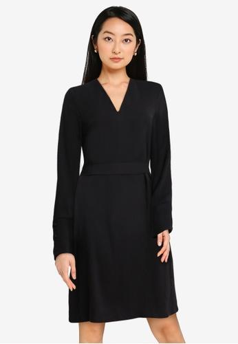 ZALORA BASICS black Scallop Cuff Detail Shift Dress 08CB7AAC95FADCGS_1