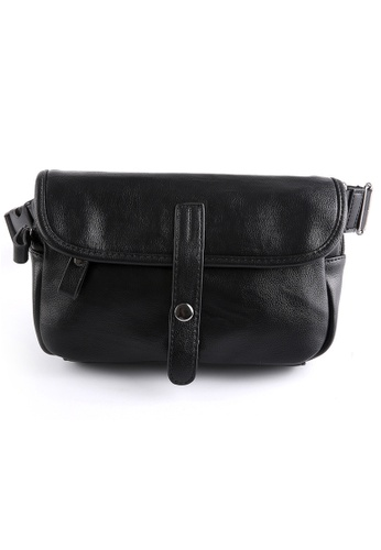 Lara black Men's Flap Buckle Belt Bag - Black 0DCADAC7FC6CDDGS_1