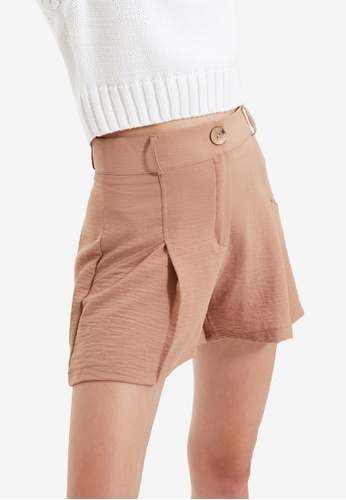 Trendyol brown Textured Pleated Shorts 2CB31AA74C7420GS_1
