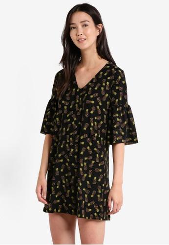 Mango green V-Neckline Dress MA193AA0RAW1MY_1