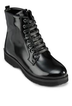 【ZALORA】 Frye 漆皮繫帶高筒靴