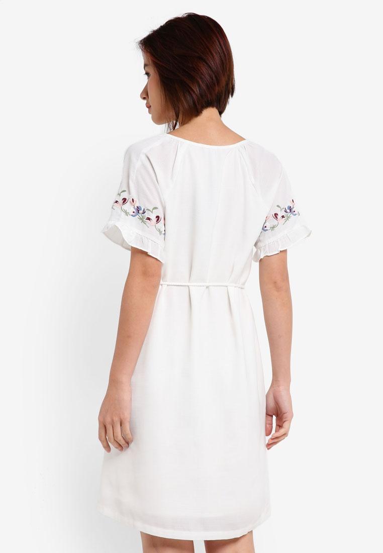 ZALORA Dress Embroidered White Sleeve Raglan wF7fq