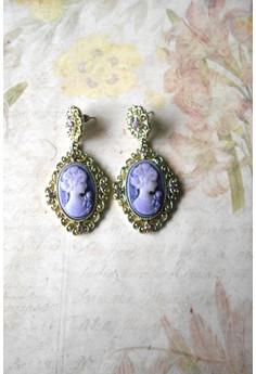 Dangling Cameo Stud Earrings (Purple)