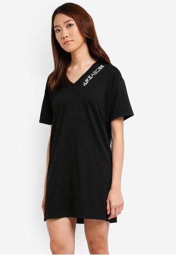 Something Borrowed black Graphic V-neck Tee Dress 852E4ZZA9E31CEGS_1