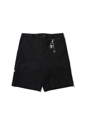 Fivecm black Shorts with keychain F4378AAAC09F73GS_1