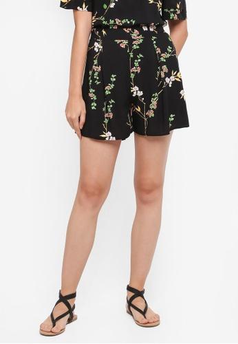Dorothy Perkins black Black Blossom Ditsy Shorts E457EAA6333A59GS_1