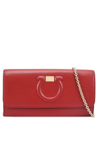 Ferragamo red Gancini Chain Wallet (zt) 1ADC5ACE74E10DGS_1