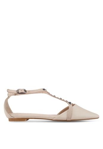 ZALORA 米褐色 鑽飾T字帶平底鞋 46EEASH8301C06GS_1