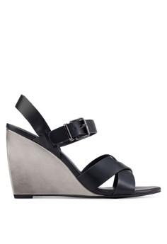 【ZALORA】 交叉楔型跟高跟涼鞋