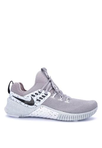Nike grey Nike Metcon Free Shoes EE3D5SHDDF5B07GS_1