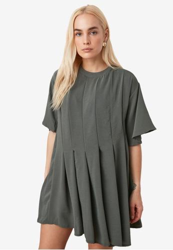 Trendyol green Short Sleeve Pleated Swing Dress FB8CAAA8C5F0D7GS_1