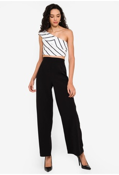 8238b4bc326c Boohoo Petite High Waisted Woven Wide Leg Trousers RM 129.00. Sizes 6 8 10  12