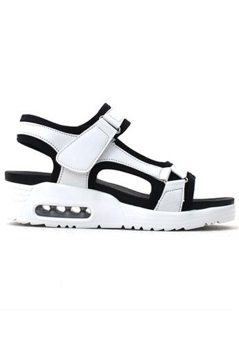 Crystal Korea Fashion white Korean-made Comfort Cushioned Enamel Sandals 4C143SHFC4C673GS_1
