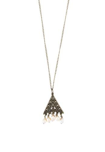 Liontin 雕花牌飾珍珠項鍊zalora 內衣, 飾品配件, 項鍊
