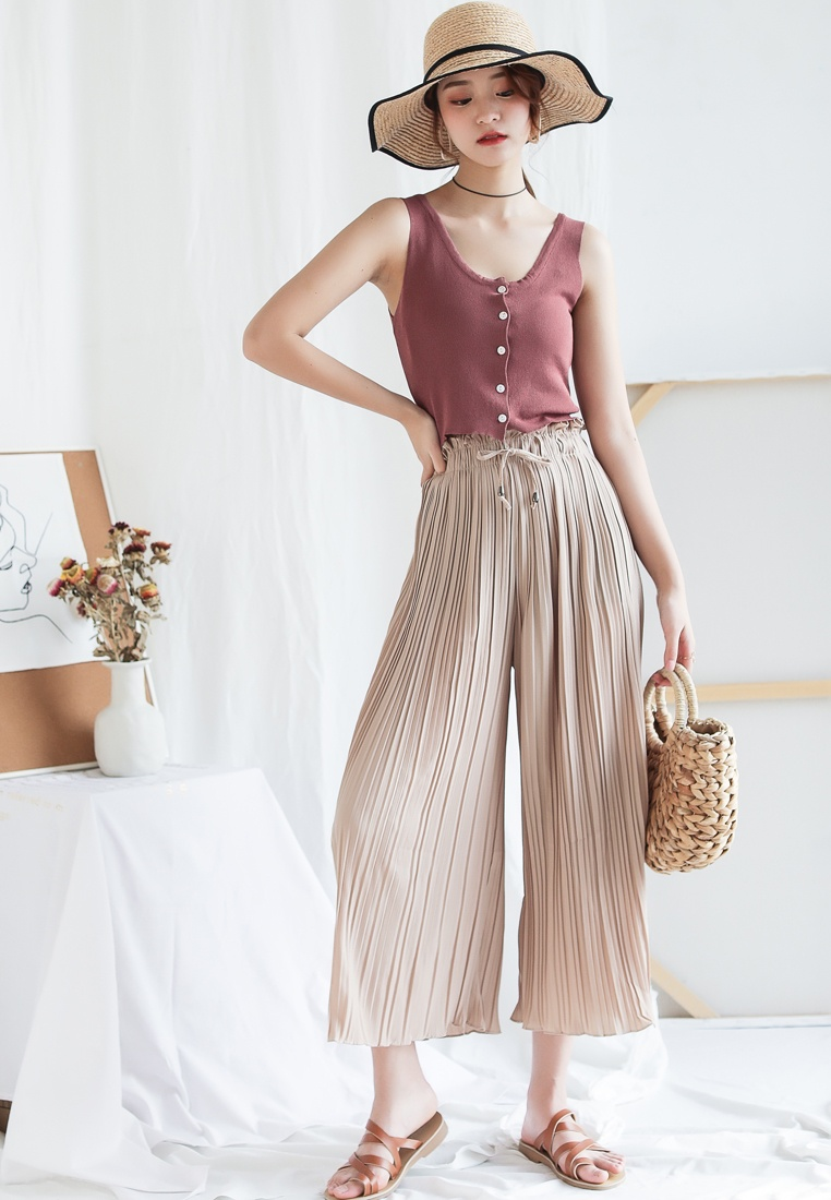 Pants in Shopsfashion Beige Pleated Straight Legged Beige 1n7zOq