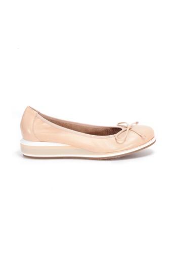 Shu Talk 米褐色 WONDERS 舒適輕便平底鞋 A3A98SH3D6F643GS_1