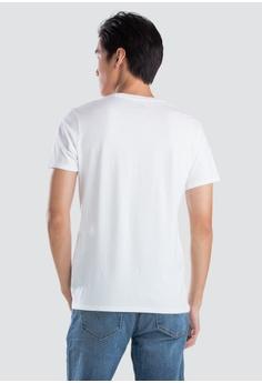 07d4a15139 12% OFF Levi's Levi's® Graphic Tee S$ 39.90 NOW S$ 35.00 Sizes XS S M L XL